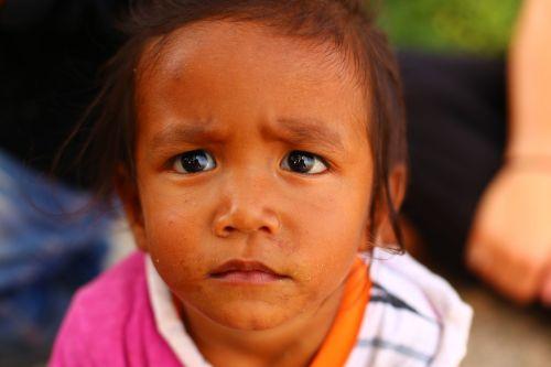 vaikas,liūdnas,liūdnas vaikas,nelaimingas,vaikystę,veidas,liūdnas,išraiška,depresija,emocija,baimė,liūdesys,liūdnas veidas,liūdesys