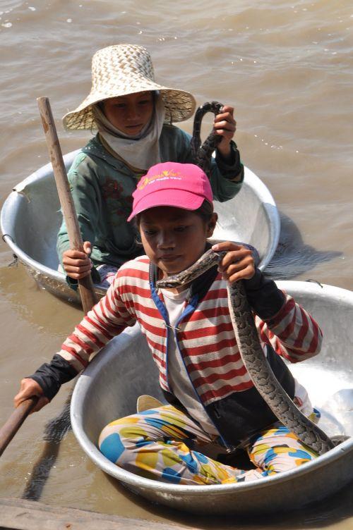 vaikas,gyvatė,boot,asija,šventė,vanduo,į pietryčius