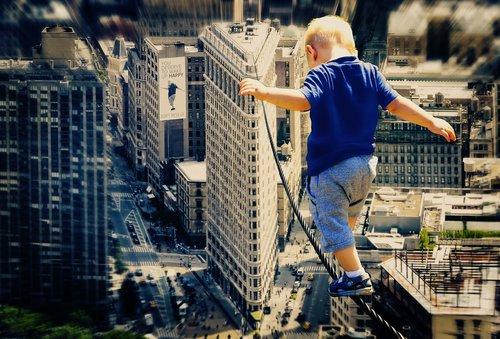 Vaikas,  Didelis Miestas,  Lynas,  Acrobat,  Berniukas,  Pirmieji Žingsniai,  Drąsos,  Audacity,  Fantazija,  Rašyti,  Fotomontažas,  Kompozicijos
