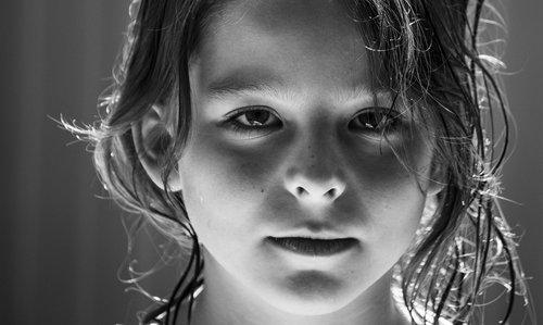 vaikas, mergina, veidas, akys, graži, portretas, šelmiškas, Iš arti, juoda ir balta, žmogus, galva, žmogus, Moteris