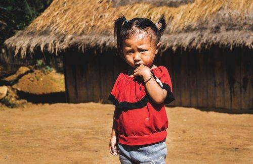 vaikas, Luang Prabang, Laosas, gentis, kaimo, Nacionalinė geografija, Tribal vaikas, Azijos vaikas, Azijoje, Tribal vaikas, hmongų kaimas, Hmong vaikų, Azijos kaimas, Lao vaikas, Lao vaikas, Hill gentis, Hill gentis vaikas