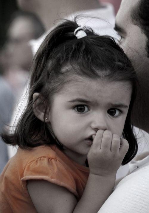 vaikas,portretas,brunetė