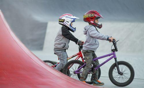 vaikai,bmx,riedlenčių parkas,Sportas