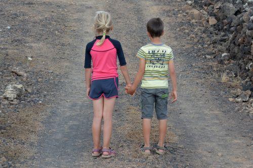 vaikai,žmonės,berniukas,mergaitė,Draugystė,ryšys