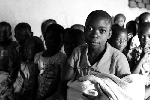 ugandos vaikai,uganda,mbale,vaikai,vaikas,kaimas,afrika,jaunas,gyvenimas,vargšas,neturtingi vaikai,afrikos vaikai,žmonės,veidas,pasaulis,Nuotolinis,juoda,Moteris,bendravimas
