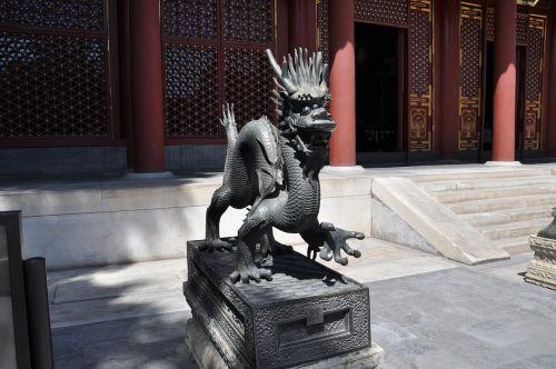 Kinija,šventykla,drakonai