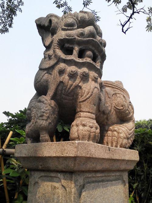 Kinijos vėjas,liūtys,kultūra,kinų kultūra,impulsas,skulptūra,istorija
