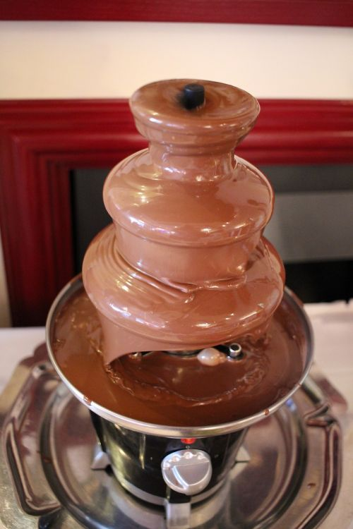 šokolado fontanas,rudas šokoladas,šokoladas,skanus,saldainiai,saldus,pagunda,prekinis ženklas,subtilus šokoladas,nibble,kakava,naudos iš,konditerijos gaminiai,specialybė,kakavos milteliai,pieniškas šokoladas,Juodasis šokoladas,desertas,ruda
