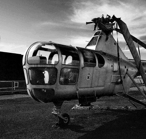purentuvas,sraigtasparnis,oras,aviacija,skristi,orlaivis,dangus,propeleris,kariuomenė
