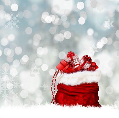 Kalėdos,dovanos,dovanų krepšys,maišas,raudona,siurprizas,supakuotas,Kalėdų sveikinimas,Kalėdų Senelis,Nikolas,Kalėdų maišas,Kalėdų laikas,sniegas,žiema,žiemos laikas,tradicija,komponavimas,foto montavimas,fantazija,žvaigždė,kilpa