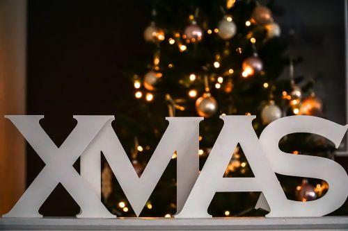 Kalėdos,xmas,linksmų Kalėdų,Kalėdų puošimas,deko,apdaila,šrifto,Kalėdiniai kamuoliai,Bokeh,Kalėdų laikas,Adventas,šviesa,Kalėdų motyvas,kontempliatyvas,Kalėdiniai dekoracijos,tamsa,apšvietimas,tamsi,Kalėdų žiburiai,Kalėdų eglutė,papuošalai,žiema,Kalėdinis ornamentas,medžio dekoracijos,weihnachtsbaumschmuck,Kalėdų papuošalai,rutulys,Glaskugeln,Kalėdų eglutė,Kūčios,Kalėdų fonas