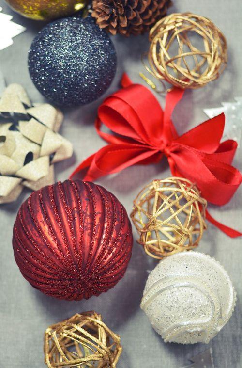 Kalėdos,ornamentas,sienos,apdaila,šventė,rutulys,dekoratyvinis,šventinis,dekoruoti,juosta,Linas,spurgai,etiketės,beabilis,blizgantis,blizgantis,raudona,auksas