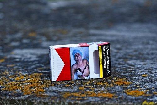 cigarečių, tabakas, rūkyti, nikotino, įprotis, priklausomybė, priklausomybė, Gyvenimo būdas, įkvėpimo, įspėjimas, pavojus, širdies smūgis, paketinių, kartonas