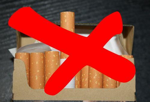 cigaretės,cigarečių dėžė,rūkymas,nerūkoma,draudžiama,tabakas,priklausomybe,labai priklausomybę,pasiūlymas,nikotinas,nesveika,atviras,filtras