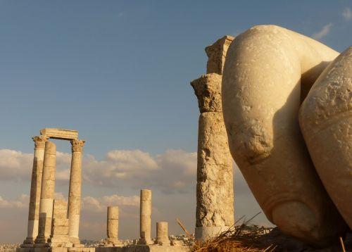 citadel kalnas,amanas,jordan,šventė,kelionė,Artimieji Rytai,sugadinti,akmuo,ranka,pirštas,perspektyva,ramstis