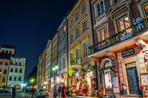 miestas,žmonės,naktis,pastatai,spalvinga,spalvinga,ilgalaikis poveikis,langai,parduotuvės,Lenkija,Senamiestis,mažas miestelis