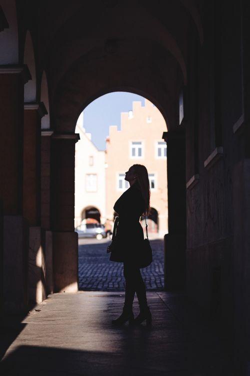 miestas,architektūra,mada,žmonės,arcade,arcade,ruduo,fonas,juoda,pastatas,kailis,tamsi,elegantiškas