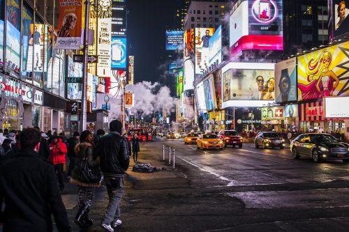 miestas,naktis,apšviestas,skatinimas,reklama,neonas,žibintai,spalvinga,šviesus,miesto,miesto panorama,centro,automobiliai,žmonės,gatvė