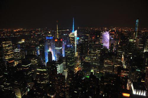 miestas,naktis,žibintai,naktinis miestas,miesto,dangus,panorama,miesto panorama,architektūra,pastatas,dangoraižis,centro,verslas,tamsi,aukštas,miestas naktį,miesto naktį,twilight,panoraminis,Miestas,bokštas,gatvė,vaizdas
