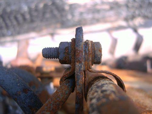 gnybtas,geležis,varžto jungtis,senas geležis,varžtas,sriegis