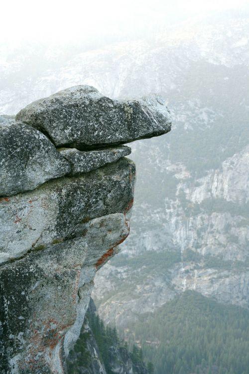 uolos,Rokas,akmuo,giliai,galvos svaigimas,nėra aukštumų baimės