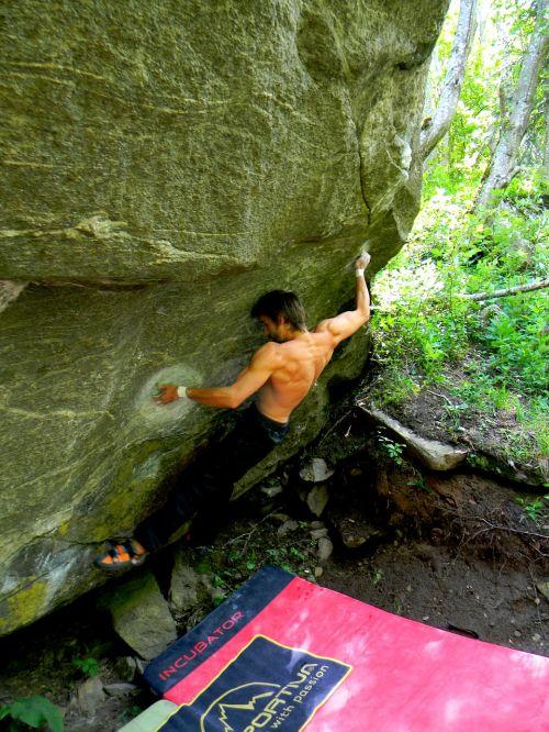 lipti,Sportas,laisvalaikis,laipiojimo siena,linksma,žaisti,laipiojimo akmenys,alpinistas,laipiojimo rankena,Rokas,atsarginė kopija,bergsport,laisvė,alpinizmas,jausmas,nemokamai lipti,jėga,bouldering