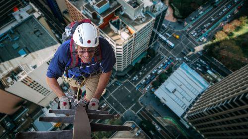 alpinistas,namai tarpeklis,pavojingas,bedugnė,drąsus,rizika,nėra aukštumų baimės,giliai,crazy,aukštis,Gorge Road,lipti