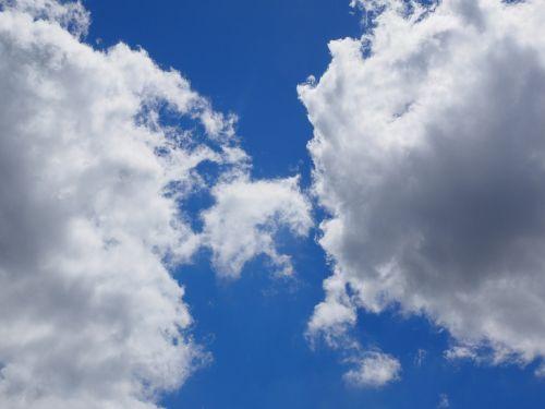 debesys,dangus,mėlynas,balta,vasaros diena,saulėta diena,saulėtas