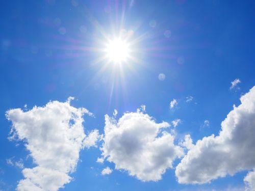 debesys,dangus,mėlynas,balta,vasaros diena,saulėta diena,saulėtas,saulė,saulės spindulys,nuostabi diena,vasara