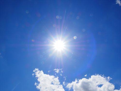 debesys,dangus,mėlynas,balta,vasaros diena,saulėta diena,saulėtas,saulė,saulės spindulys,nuostabi diena,vasara,kubo debesys,cumulus humilis,cumulus mediocris,cumulus,cumulus cloud