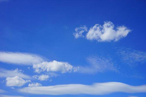 debesys,dangus,vasaros diena,mėlynas,balta,debesys formos,saulėta diena,saulėtas,saulė,saulės spindulys,nuostabi diena,vasara,kubo debesys,oras,klimatas,klimato atšilimas,virš debesų,dangaus mėlynumo,azur
