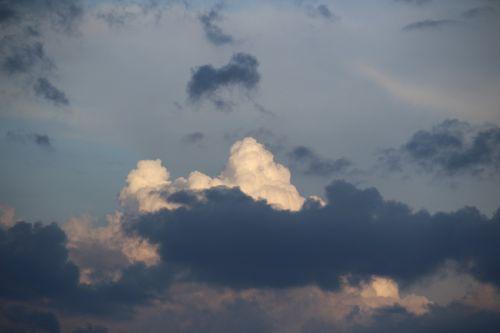 debesys,griauna,dangus,oras,balti debesys,tamsūs debesys,audros debesys,kubo debesys