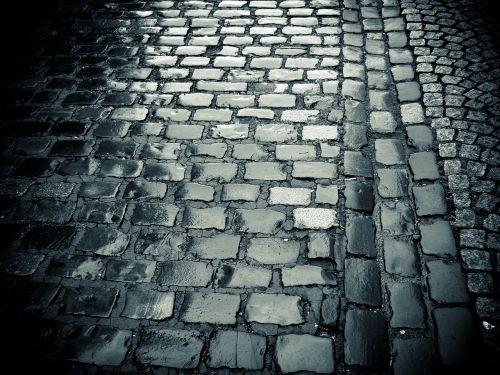 brangakmeniai,kelias,brangakmeniai,Senamiestis,dangas,žemė,akmenys,lietus,šlapias
