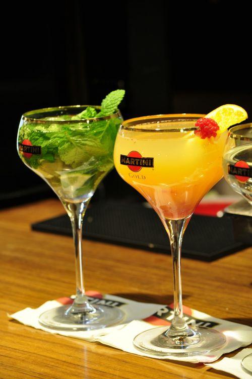 kokteilis,gerti,likeris,taurė