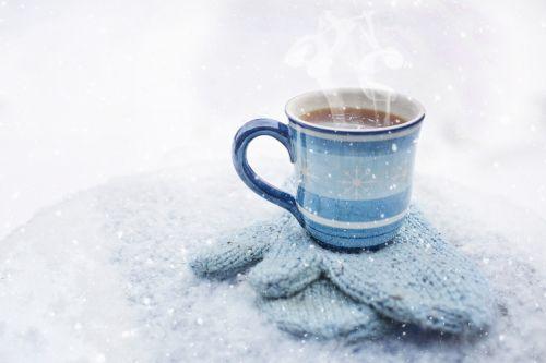 kava,puodelis,žiema,gerti,kavos puodelis,gėrimas,kavos puodelis,balta,karštas,puodelis kavos,šviežias,rytas,sniegas,jaukus,pirštinės,šiluma,palaikyti šilumą,užvirinti,garuose