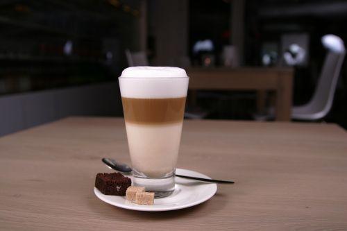 kava,kavinė,cappuccino,puodeliai,gerti,bendrovė,taurė,terasa,kavos laikas,puodelis kavos,cappucinpo,kavos stalelis,restoranas,plakta grietinėlė,jaukus,kavos pertraukėlė,stalo panele,pertrauka,vasara