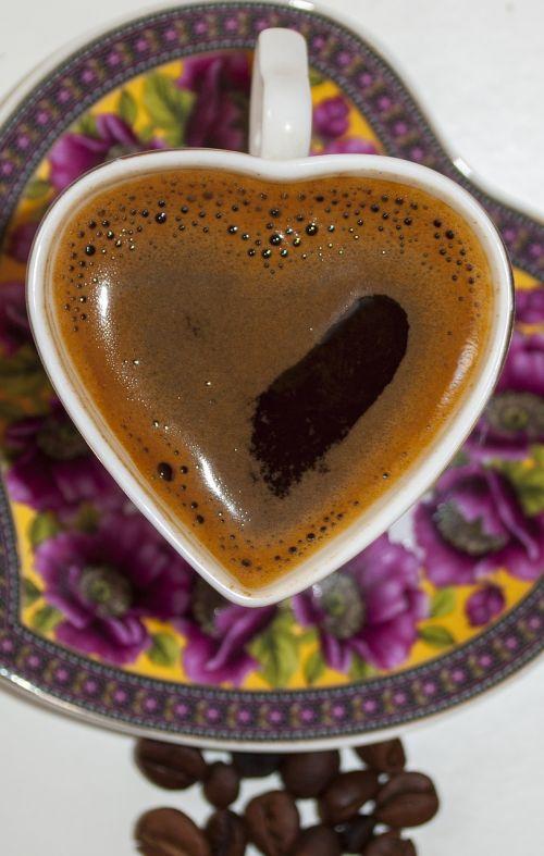kava,taurė,pupos,puodelis kavos,kavos puodelis,gerti,kofeinas,juoda,kavinė,ruda,puodelis,karštas,pusryčiai,gėrimas,aromatas,pupelė,kavos puodelis izoliuoti,kavos pupelės,skrudinta,arbata