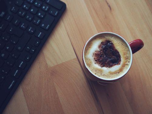 kava,kavinė,kavos puodelis,gerti,taurė,mėgautis,kavos putos,pertrauka,gerti kavą,skanus,gaminti kavą,kofeinas,skrudinta,kavos puodeliai,Italijos kava