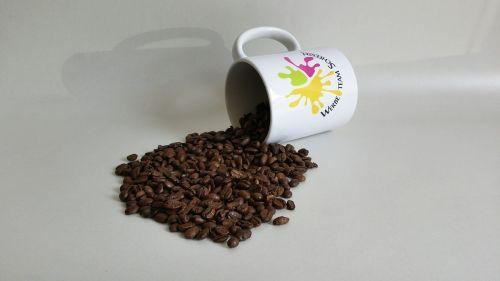 kavos pupelės,kavos puodelis,kava,kavos puodeliai,pupos,jaukus,karštas,gėrimai,taurė,aromatas,kavos aromatas