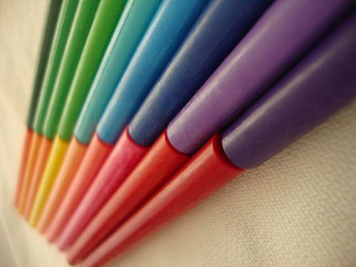 spalvos,pieštukai,paveikslai