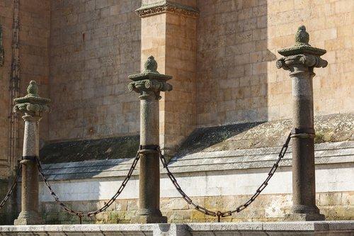 stulpeliai, metai, katedra