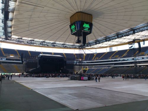 koncertas,gyvas koncertas,commerzbank arena,etapas,ramus prieš audrą,didelis,erdvė
