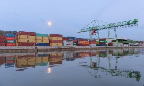konteineris,uostas,konteinerių terminalas,konteinerių vežimėlio kranas,konteinerių platforma,prekių tvarkymas,konteinerių tvarkymas,neckar,štutgartas,vakaras,mėnulis
