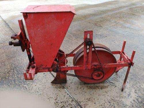 kukurūzų sodinimo mašina,mašina,senas,geležis,kolektorius,žemės ūkio,oksidas,senoji mašina,antikvariniai daiktai