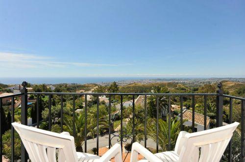 costa del sol,Peržiūros,balkonas,kėdės,šventė,mėlynas dangus,kelionė,papludimys,gamta,vandenynas,kraštovaizdis,Viduržemio jūros,vanduo,atostogos,jūra,Europa,ispanų,vasara,costa,sol,Ispanija