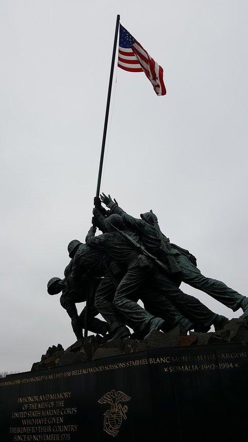 drąsos, vėliava, laisvė, patriotizmas