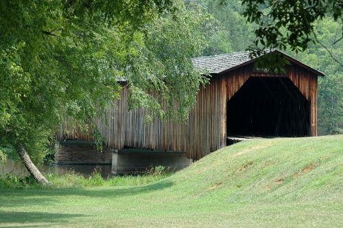 padengtas & nbsp, tiltas, tiltas, struktūra, orientyras, istorinis, kraštovaizdis, kaimas, Šalis, vaizdingas, medinis, uždengtas tiltas