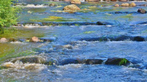 upelis,baltas vanduo,gamta,vanduo,Rokas,vandenys,murmur,begantis vanduo,kraštovaizdis,srautas,akmuo,vaizdingas,atmosfera,natūralus vanduo