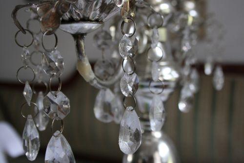kristalas,liustra,žvakidė,stiklas,sidabras,senas,Senovinis,Vestuvės,šventė,banketų stalas,gedeckter stalas,elegantiškas,elegancija,kilnus,šventinis,lenta,stalas,ansitz akmens rūsys,šventinis stalas,kvietimas,balta