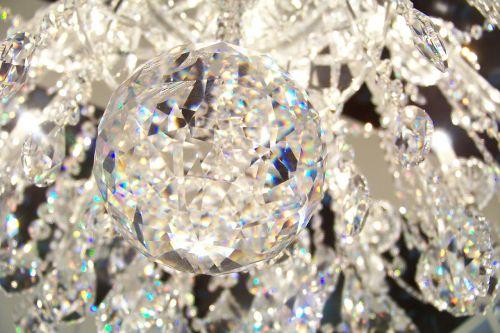 kristalas,liustra,šviesti